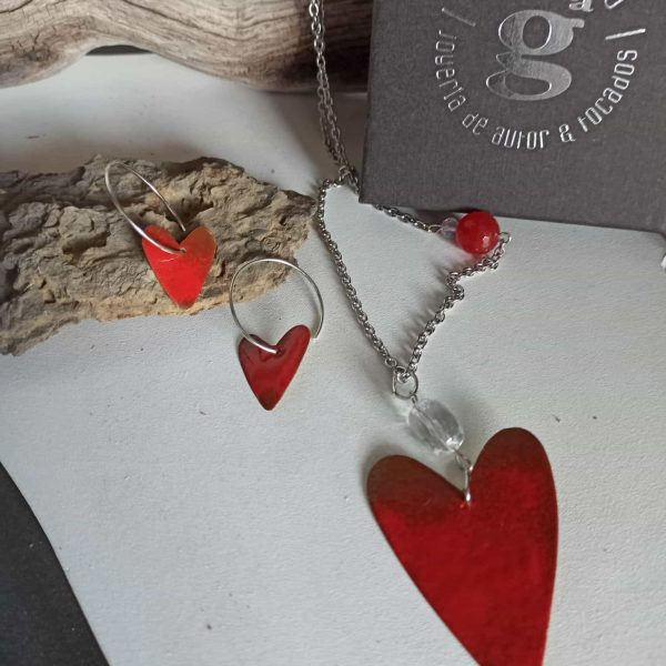 conjunto corazon rojo